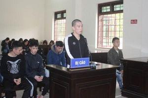 Cao Bằng: Cả nhóm hầu tòa vì vừa đánh nhau, lấy vũ khí đe dọa lại còn cho vay nặng lãi