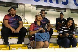 Maria Ozawa tới sân cổ vũ ủng hộ Indonesia đấu Việt Nam