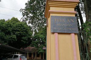 Chánh Văn phòng TAND huyện bị truy nã từng được tặng giấy khen