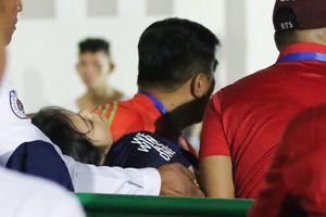Tình nguyện viên chủ nhà SEA Games gặp nạn vì mải dùng điện thoại