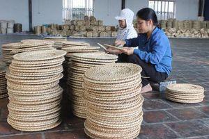 Sản phẩm làng nghề chật vật xuất ngoại