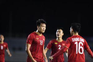 Hoãn trận U22 Việt Nam với Singapore vì bão Kammuri?