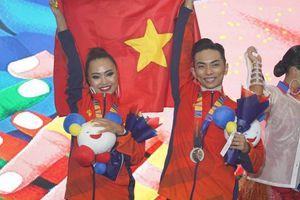 Khánh Thi chi gần 3 tỷ đồng cho tấm HCV của Phan Hiển tại SEA Games 30