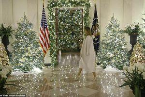 Nhà Trắng đẹp lung linh dưới bàn tay bà Melania Trump mùa Giáng sinh