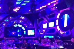 Đột kích quán karaoke, phát hiện hơn 40 dân chơi đang bay lắc
