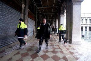 Du khách quốc tế và lũ lụt tàn phá Venice như thế nào