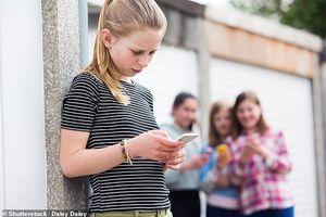 1/4 thanh, thiếu niên gặp rắc rối với điện thoại thông minh