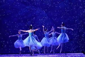 Tái diễn vở vũ kịch 'Kẹp hạt dẻ'
