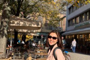 Thí sinh Hoa hậu Hoàn vũ Việt Nam gây mê bằng 'vũ khí lạ'