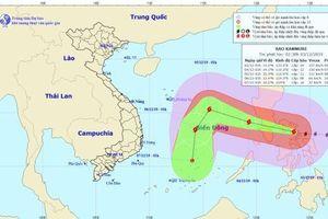 Vẫn còn tàu thuyền ngư dân trong khu vực đổ bộ của siêu bão Kammuri