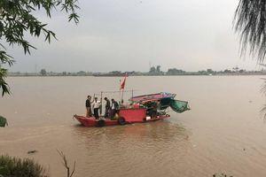 Hải Phòng: Tích cực tìm kiếm tung tích nạn nhân vụ chìm tàu gạch trên sông Văn Úc