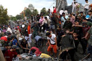 Campuchia hỗ trợ các nạn nhân vụ sập công trình tại chùa ở Siem Reap