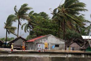 Hàng trăm nghìn người phải sơ tán do ảnh hưởng của bão Kammuri