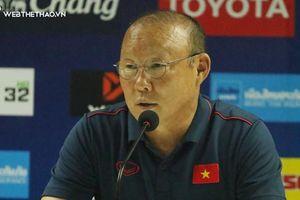 Ông Park Hang-seo trả lời họp báo về chấn thương của Quang Hải