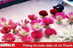 Làng nghề vào Tết: Một ngày làm hương ở Đông Khê