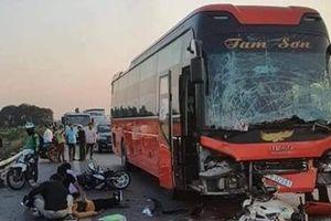 Va chạm trên cao tốc Hà Nội-Bắc Giang, nữ phụ xe chết thảm
