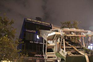 Cứu 6 người mắc kẹt trong ngôi nhà 5 tầng bốc cháy ngùn ngụt ở Đà Nẵng