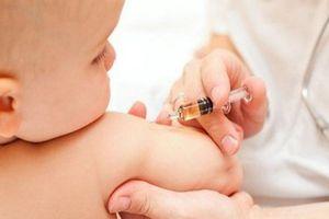 Vì sao phải tiêm vaccine viêm gan B cho trẻ 24 giờ sau sinh?