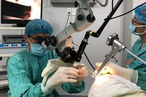 Phẫu thuật dao laser cứu bệnh nhân bị ung thư hạ họng