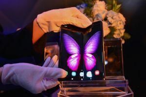 Samsung và Huawei chọn cách 'lạ' để bán siêu phẩm mùa cuối năm