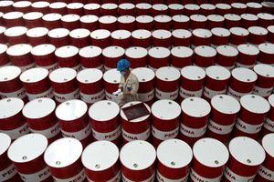 Giá xăng dầu hôm nay 4/12: Sụt giảm mạnh