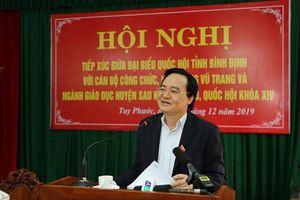 Bộ trưởng Phùng Xuân Nhạ tiếp xúc cử tri huyện Tuy Phước