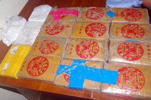 Quảng Nam: Thêm 1 bánh heroin trôi dạt vào bờ biển Tam Thanh