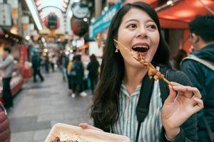 Cấm ăn trên đường, chụp ảnh selfie để giảm ô nhiễm du lịch
