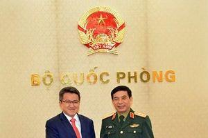 Thượng tướng Phan Văn Giang tiếp Thứ trưởng Bộ Quốc phòng Malaysia