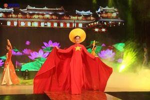 Ấn tượng màn trình diễn thời trang 'Áo Dài Show'