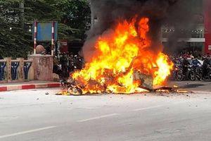 Khởi tố vụ nữ tài xế xe Mercedes gây tai nạn liên hoàn khiến 1 người chết