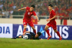 Tránh 'bi kịch Phí Minh Long 2.0', thủ môn Bùi Tiến Dũng dự bị trước U22 Thái Lan