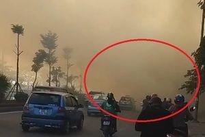 Người dân đốt rác gây khói mù mịt ở Hà Nội
