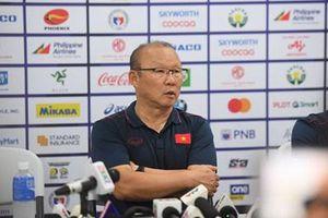 HLV Park Hang-seo 'phản pháo' truyền thông Campuchia