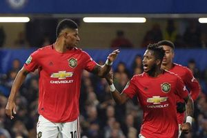 Đội hình tiêu biểu vòng 15 Premier League: Rashford, Fred góp mặt