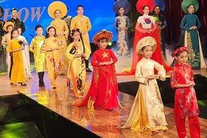 'Áo Dài Show' Đà Nẵng nơi tôn vinh Văn hóa truyền thống Việt