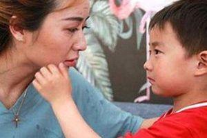 Phát hiện 'vật thể lạ' nhạy cảm trong túi con trai, mẹ trẻ nhận ra sai lầm trong cách nuôi dạy suốt 14 năm qua