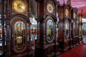 Những chiếc đồng hồ gỗ từ Đức giá hàng trăm triệu đồng