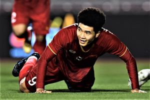 Đức Chinh đánh đầu nâng tỷ số lên 3-0 cho U22 Việt Nam