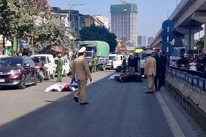 Xe máy kẹp 3 va chạm với xe tải, 2 người tử vong