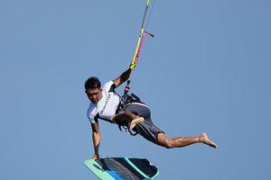 Hàng trăm vận động viên quốc tế thi lướt ván diều trên biển Ninh Chữ