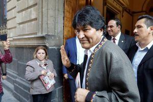 Cựu Tổng thống Bolivia vừa bị lật đổ Morales bất ngờ rời Mexico đến Cuba