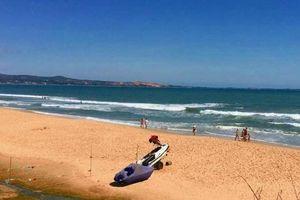 Bình Thuận: Mặc ca nô cảnh báo, du khách Thụy Điển tắm sóng lớn, tử vong