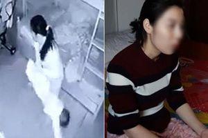 Mẹ có con 14 tháng tuổi bị người giúp việc xách ngược không dám xem hết video