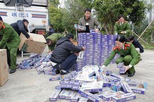 Chặn đứng vụ chở 10.000 bao thuốc lá lậu ra Hà Nội