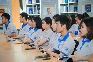 Sinh viên sẽ được thưởng 10 triệu đồng nếu có điểm tiếng Anh cao