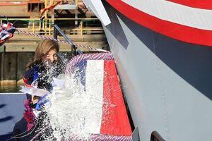 Hải quân Mỹ làm 'lễ rửa tội' cho tàu sân bay USS John F. Kennedy