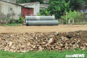 Làm đường bằng rác thải xây dựng: Chủ tịch Nghệ An chỉ đạo xử lý, cấp dưới vẫn 'phớt lờ'