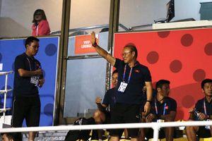 HLV Park Hang Seo cổ vũ tuyển nữ Việt Nam vô địch SEA Games 30