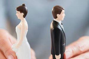 Bị hủy hôn vì 'nhờ' vợ tương lai cưa đôi tiền sắm giường tủ, đồ cưới